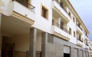 Edificio de 20 viviendas, locales y aparcamientos