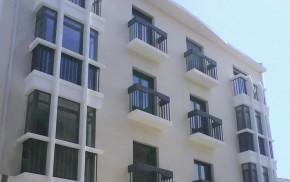 Edificio de 6 viviendas, local y aparcamientos